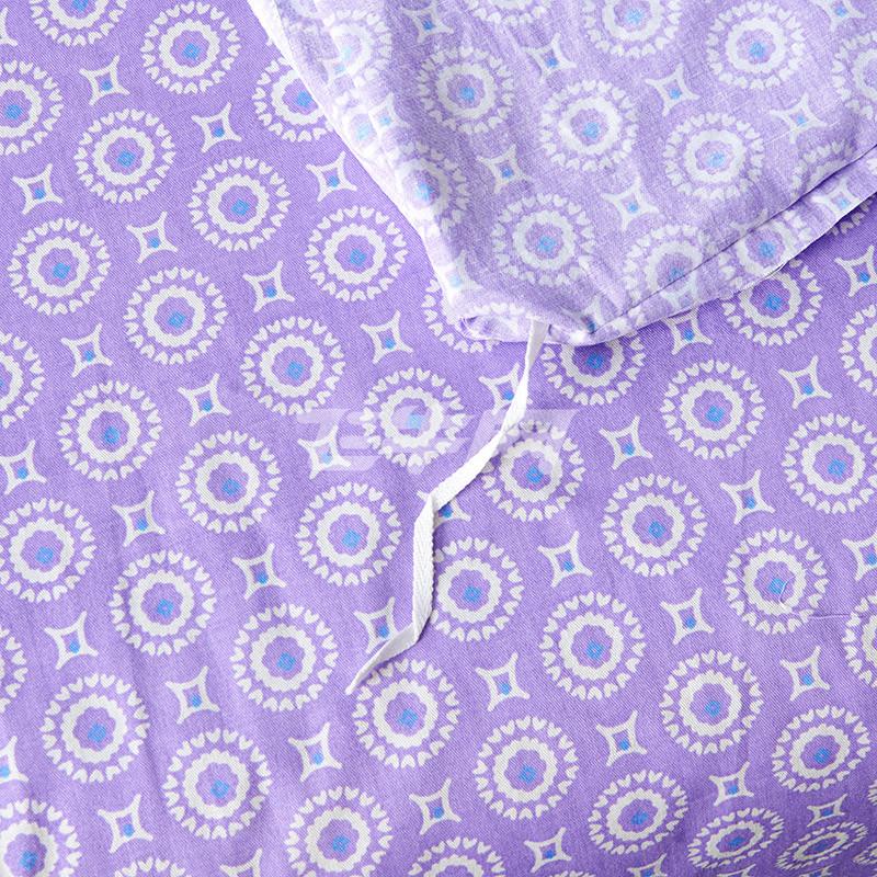 紫色手绘花环元素
